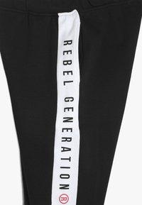 Re-Gen - TEEN BOYS BERMUDA - Pantalon de survêtement - black - 3