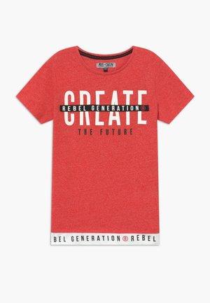 TEEN BOYS - T-shirt imprimé - spiced coral