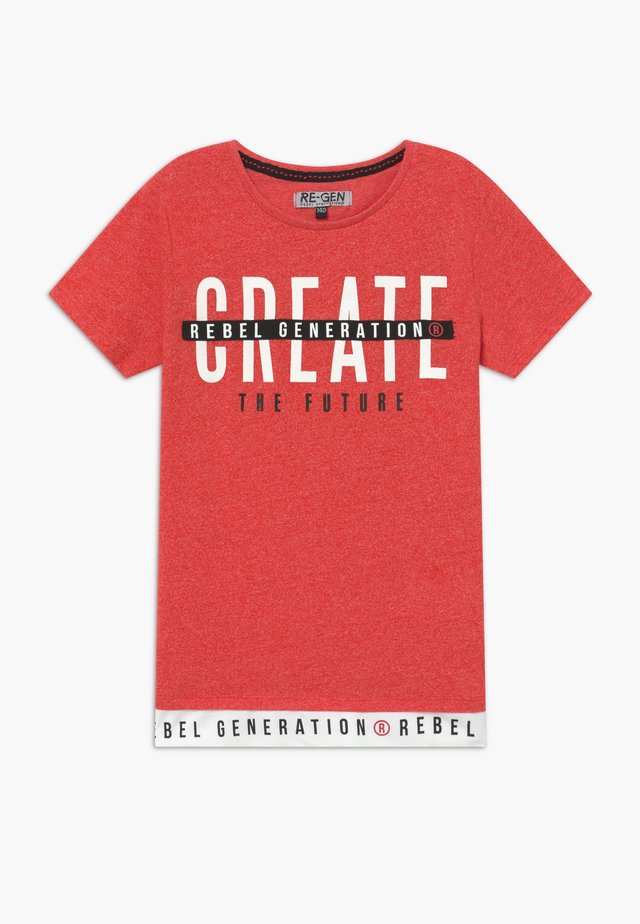 TEEN BOYS - Camiseta estampada - spiced coral