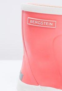 Bergstein - RAINBOOT - Wellies - coral - 5
