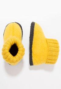 Bergstein - COZY - Domácí obuv - yellow - 1