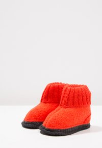 Bergstein - COZY - Domácí obuv - orange - 2