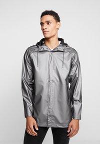 Rains - SHORT COAT - Regenjas - metallic charcoal - 0