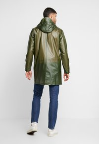 Rains - UNISEX HOODED COAT - Impermeabile - foggy green - 2