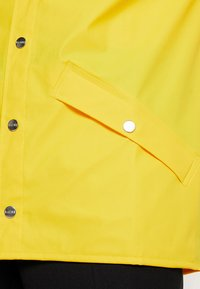 Rains - UNISEX JACKET - Impermeabile - yellow - 6