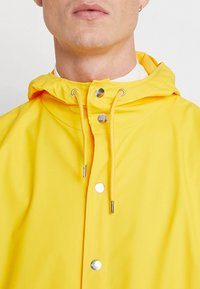 Rains - UNISEX JACKET - Impermeabile - yellow - 4