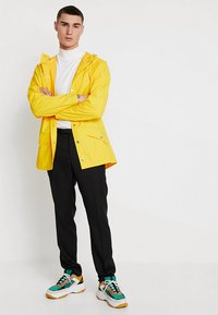 Rains - UNISEX JACKET - Impermeabile - yellow - 1
