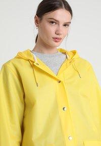 Rains - HOODED COAT - Regenjas - foggy yellow - 3