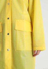 Rains - HOODED COAT - Regenjas - foggy yellow - 5
