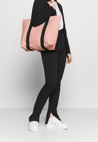 Rains - TOTE BAG RUSH - Shopping Bag - coral - 1