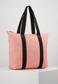 Rains - TOTE BAG RUSH - Shopping Bag - coral - 2