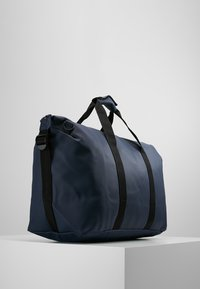 Rains - WEEKEND BAG - Weekendtas - blue - 3