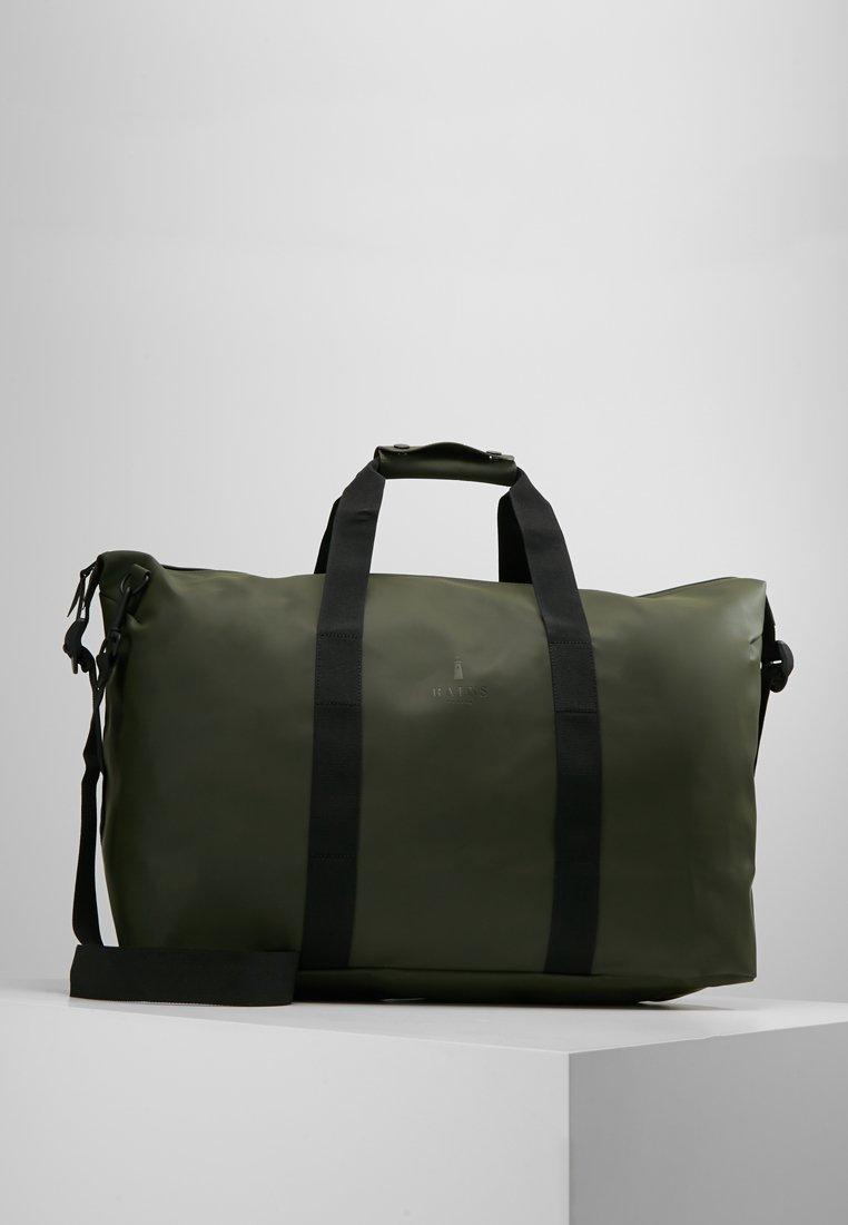 Rains - WEEKEND BAG - Taška na víkend - green