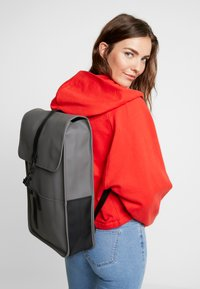 Rains - BACKPACK - Rucksack - charcoal - 5