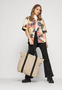 Rains - Bolso shopping - beige - 1
