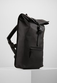 Rains - ROLL TOP - Rucksack - black