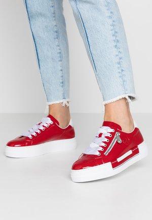 Sneakers basse - flamme/weiß