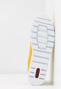Rieker - Baskets basses - gelb/weiß - 6