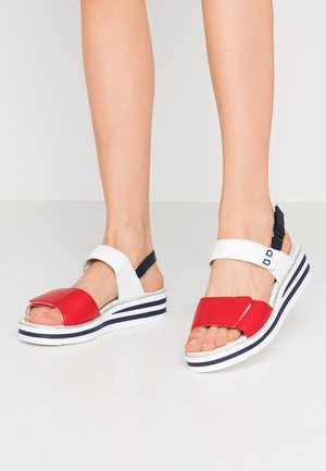 Platform sandals - rosso/weiss/pazifik