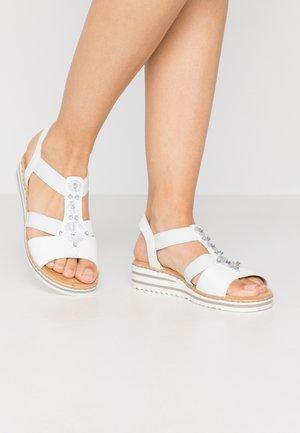 Sandály na platformě - weiß