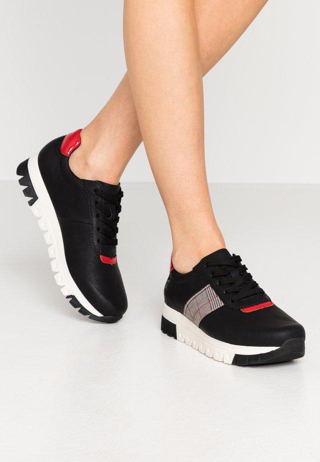 Sneaker low - schwarz/flamme/grau rost