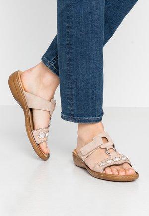 Pantolette flach - altrosa