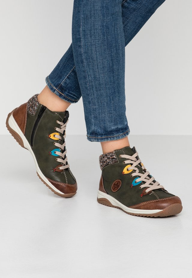 High-top trainers - brandy/forest/azzuro/senf/terra