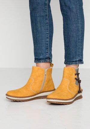 Korte laarzen - honig