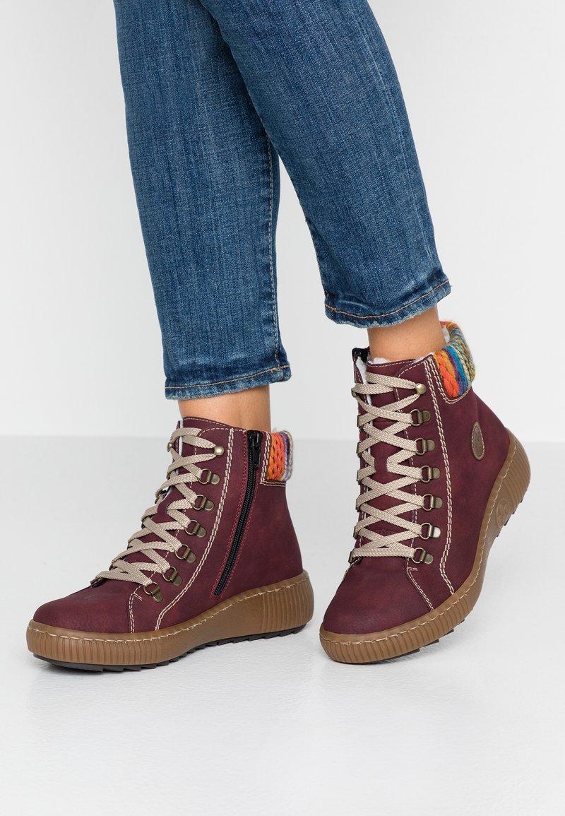 Rieker - Kotníkové boty na platformě - bordeaux/orange/multicolor/mogano