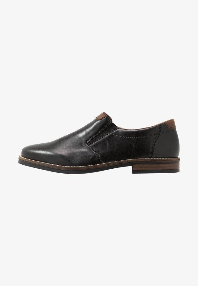 Nazouvací boty - schwarz/mogano