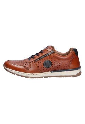 Sznurowane obuwie sportowe - peanutpeanutnavy (24)