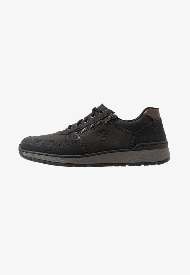 Sneaker low - schwarz/kastanie