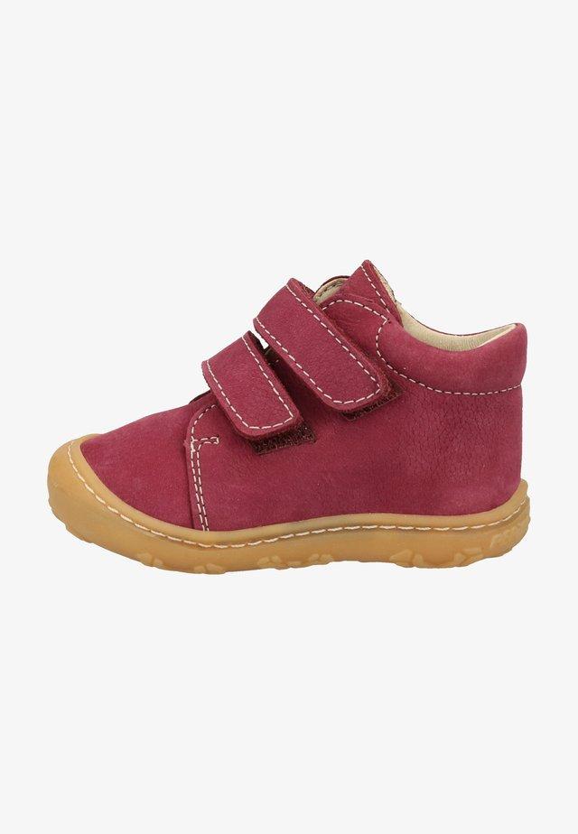 Baby shoes - fuchsia 360