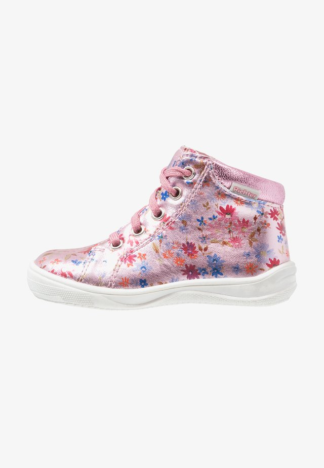 Baby shoes - candy