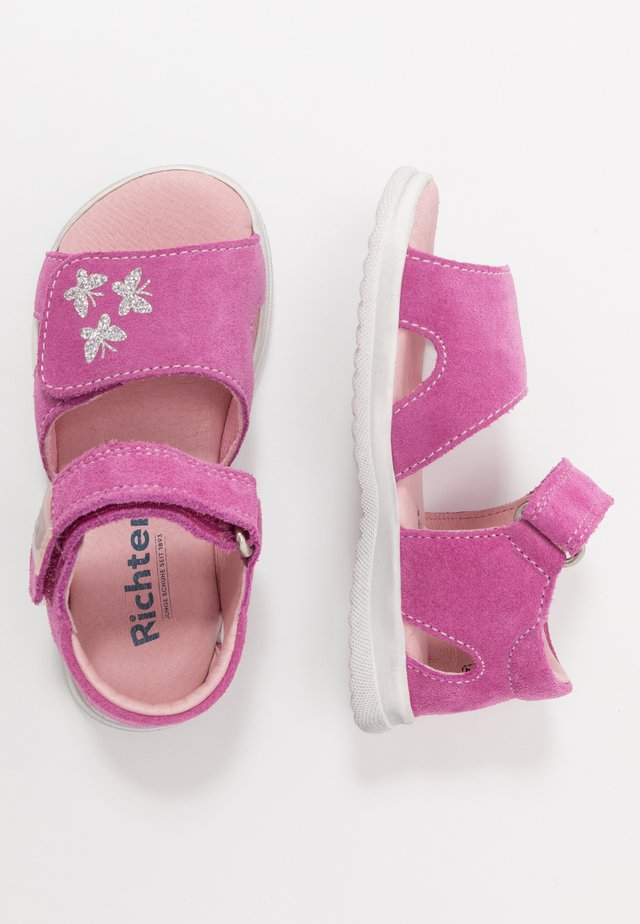 Baby shoes - rosette