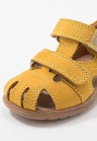 Richter - Sandaalit nilkkaremmillä - sunny - 2