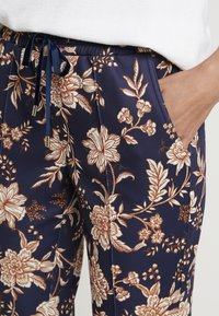 Rich & Royal - PRINTED PANTS - Broek - deep blue - 5
