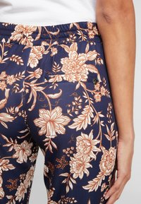 Rich & Royal - PRINTED PANTS - Broek - deep blue - 3