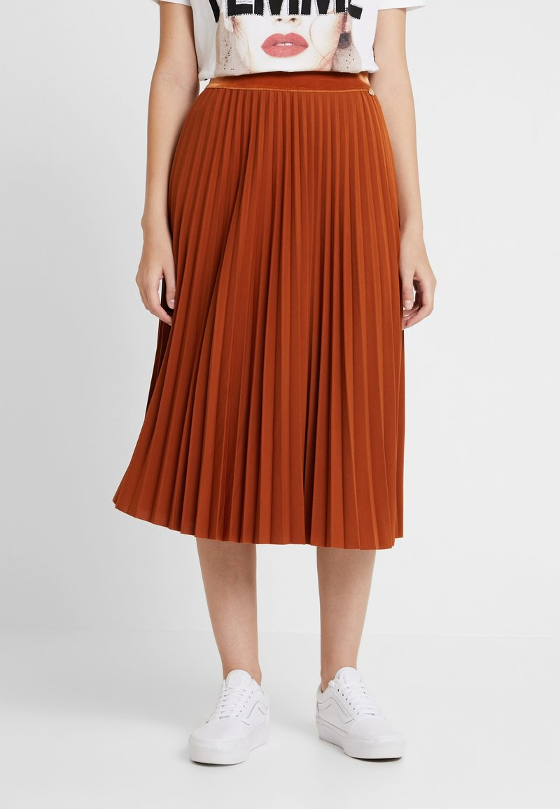 Rich & Royal - PLISSEE SKIRT - A-line skirt - ginger brown