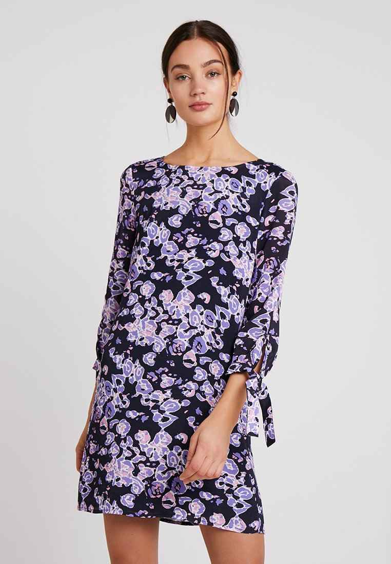Rich & Royal - PRINTED DRESS WITH BOW CUFFS - Vestido informal - deep blue