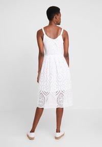 Rich & Royal - DRESS WITH EMBROIDERY ANGLAISE - Denní šaty - white - 2