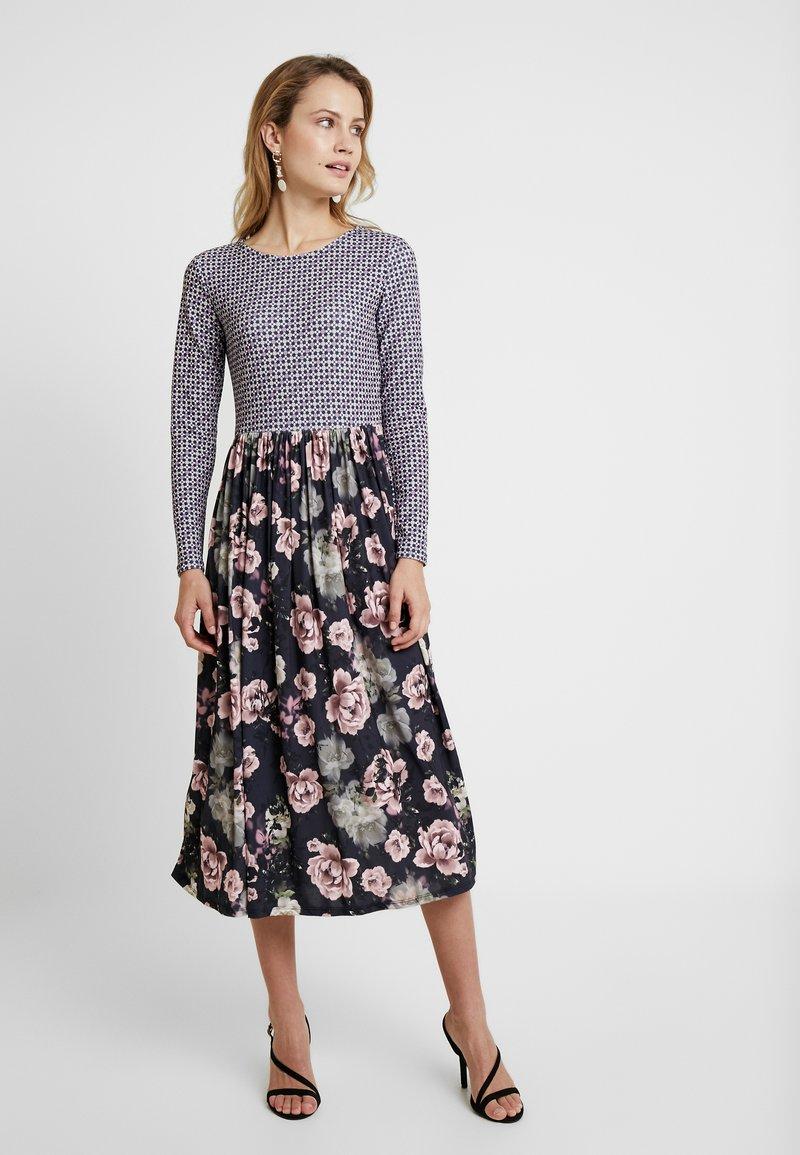 Rich & Royal - DRESS PRINT MIX - Jersey dress - deep blue