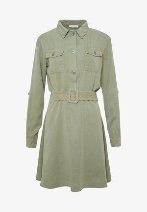 DRESS WITH BELT - Košilové šaty - safari green