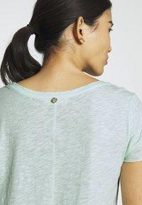 Rich & Royal - Basic T-shirt - jade mint - 5