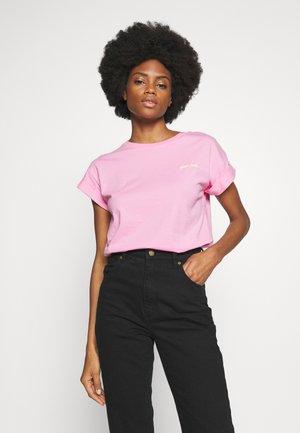 BOYFRIEND COLOURED - T-shirts - spring pink