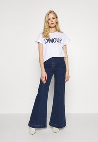 Rich & Royal - L'AMOUR - T-shirts med print - white - 1