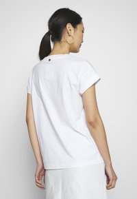 Rich & Royal - T-shirts med print - white - 2