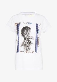 Rich & Royal - T-shirts med print - white - 4