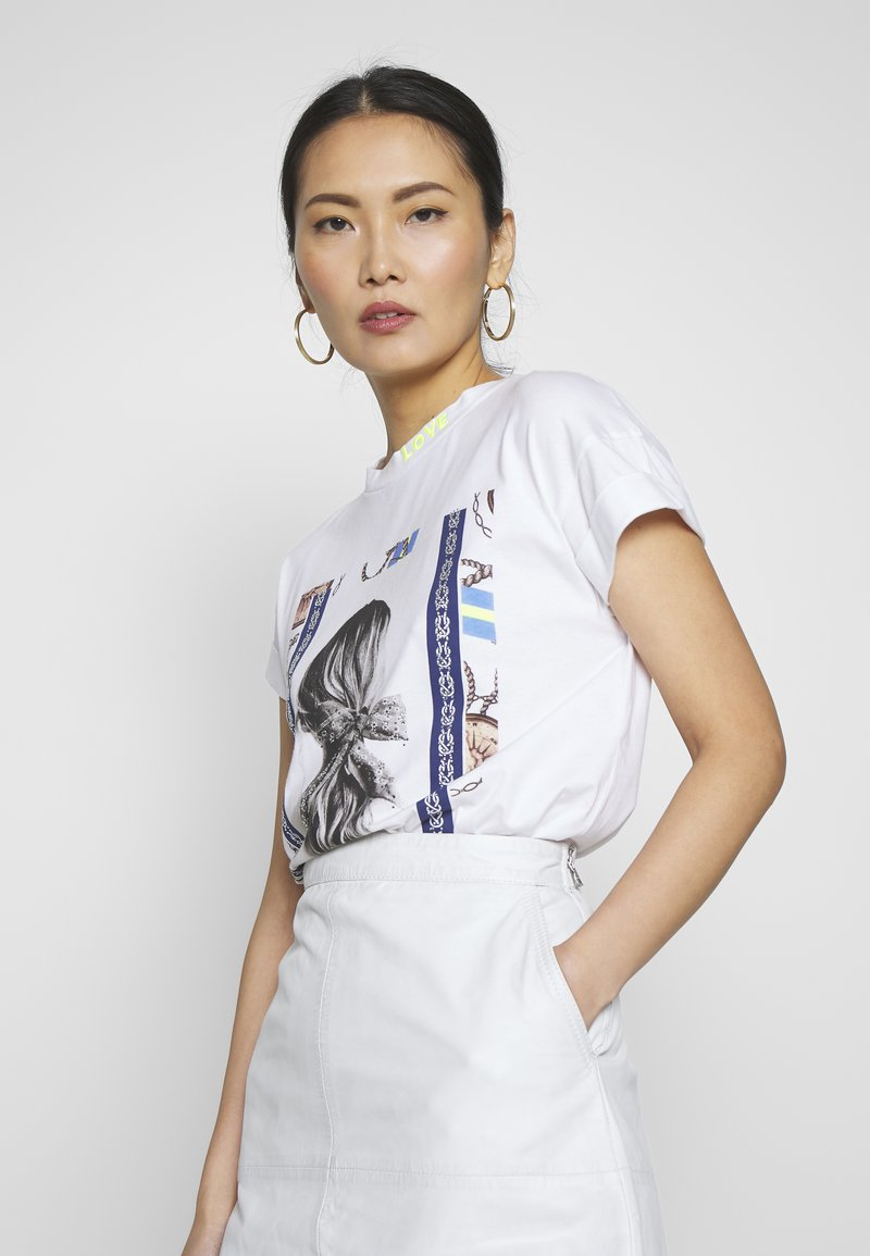 Rich & Royal - T-shirts med print - white