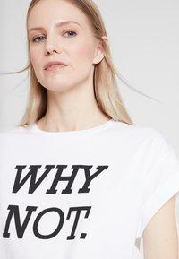 Rich & Royal - Print T-shirt - white/black - 4